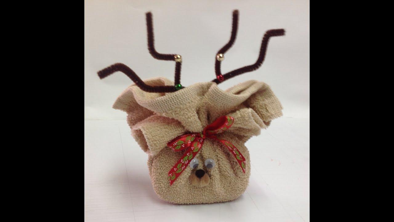 Como hacer un reno con toalla youtube for Adornos con toallas