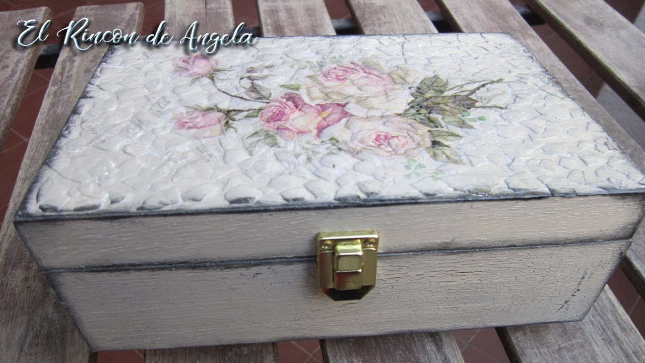 Caja de madera decorada con cascara de huevo y decoupage diy manualidades conideade youtube - Decorar baul vintage ...