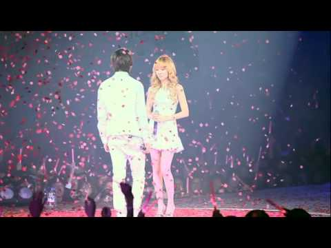 SNSD/GIRLS' GENERATION The 1st Asia Tour Into The New World P1
