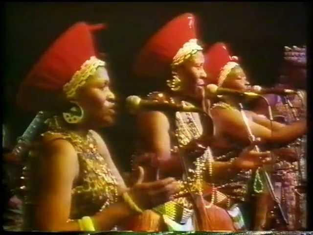 Mahlathini & The Mahotella Queens ft West Nkosi - Thunthswane Basadi