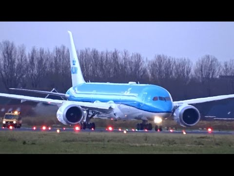 KLM - Boeing 787-9 Dreamliner - Wet takeoff at AMS for last Welcome Flight KL9899