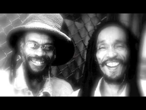 Jamaican Woman - Israël Vibration mp3