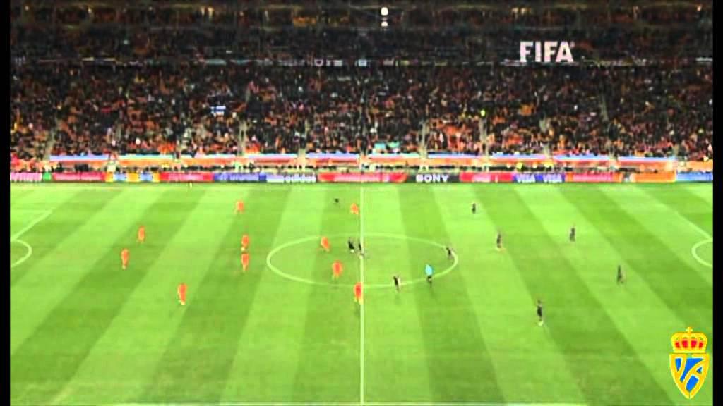 Regla 8 inicio y reanudaci n del juego youtube for Regla fuera de juego futbol