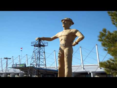 Tallest Free Standing Structure: Golden Driller of Tulsa [ HD ]
