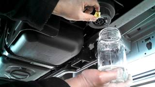 2012 Ford F250 6.7 Liter Super Duty Draining My Fuel & Water Filter First Time 2000 Miles