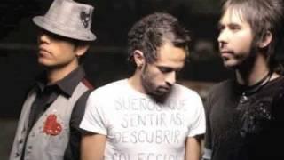 Restos De Abril - Camila