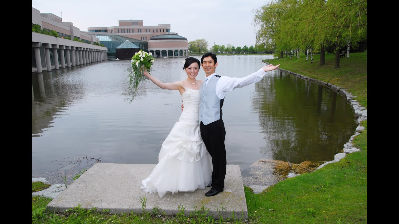 Photo Taking Before Wedding Ceremony At Markham Civic Center Toronto Videography You