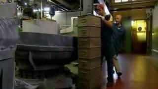 Как делают складные швейцарские ножи Victorinox(В этом эпизоде показано как делают ножи Victorinox, начиная от процесса вырубки заготовок клинков, и заканчивая..., 2009-05-20T10:07:12.000Z)