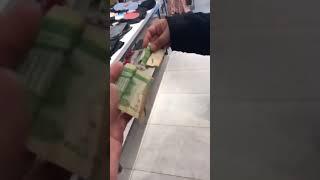 فيديو: طرد مدير لبناني اجبر موظفتين سعوديتين على تنظيف البلاط مقابل ريال  | البوابة
