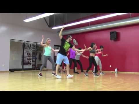 Bailalo - Tomas the Latin Boy & Farruko - Zumba Choreography