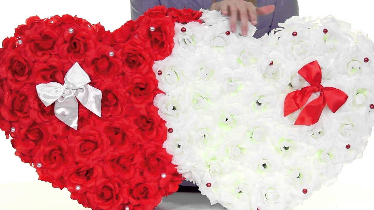 Свадебные украшения на машину: украшаем капот большими сердцами