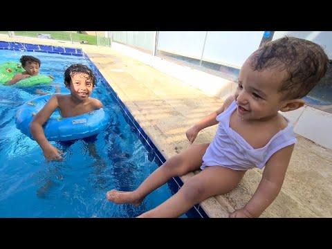 مفآجأة مراد بالمسبح لأول مره بحياته Youtube