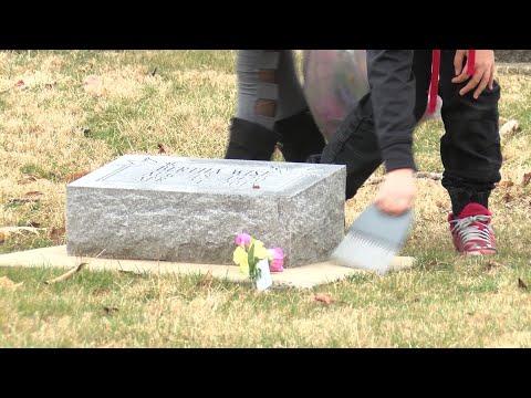 Oakwood Grade School Cemetery