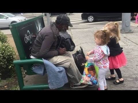 Adorable Kids Helping Homeless People - Cute Kids Videos (2018)