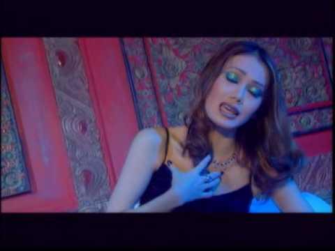 'Hati Yang Bicara' Music Video - Windy Saraswati