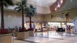 kidz bop last christmas in almost-empty mall