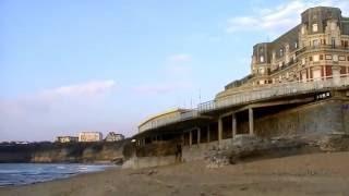 Biarritz (france)-(Pyrénées Atlantiques):Le Bord de mer.