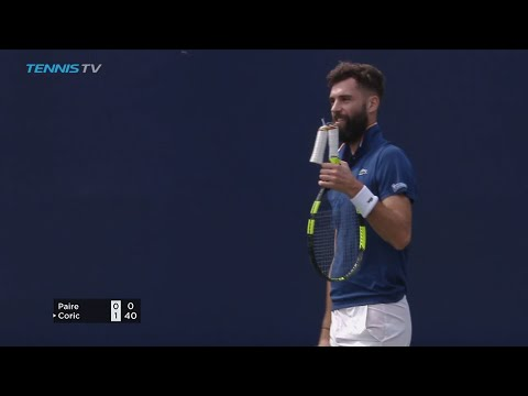 FUNNY: Benoit Paire's racquet handle snaps! | Dubai 2018
