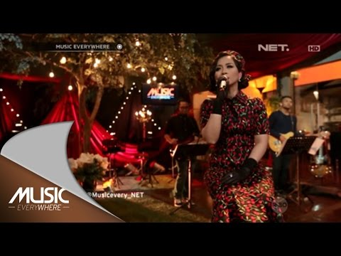 Astrid - Terpukau (Live at Music Everywhere) *