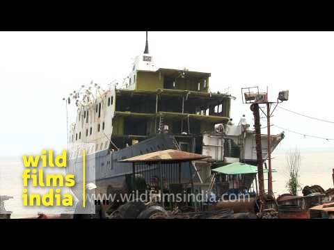 Ship breaking Yards of Alang-Sosiya