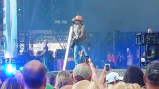 """Tattoos on this Town"" - Jason Aldean LIVE"