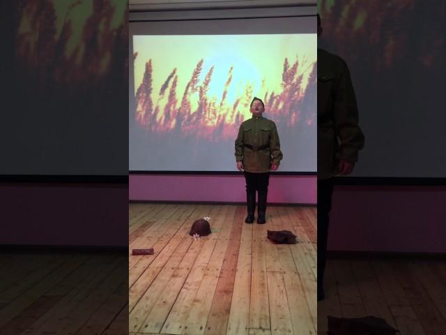Изображение предпросмотра прочтения – АлексейЧурсин читает произведение «Песенка о пехоте» Б.Ш.Окуджавы