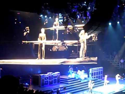 Van Halen 2012 Tour Opening Night Louisville KY Setlist Montage VIDEO - not stills !!
