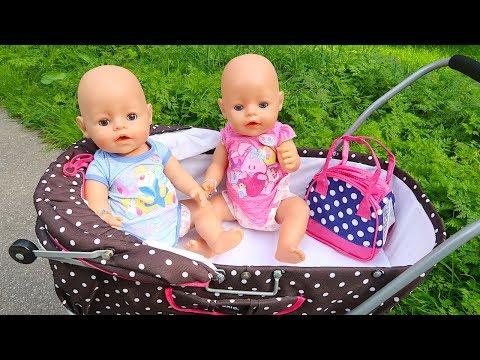 Беби Бон Двойняшки и Мама Маша Гуляют с Коляской на Детском Площадке Мультик для детей