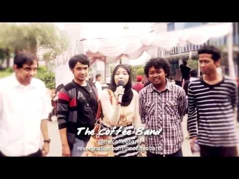 indonesiatanpajil-miladkustik-event-7042013-the-coffee-band-ayo-sholat