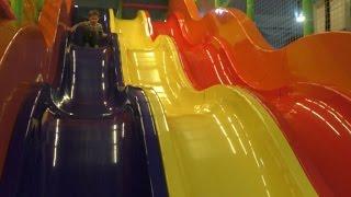 ВЛОГ Огромный Развлекательный центр для детей с большой горкой в Чудо парке
