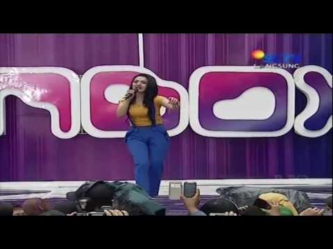 SITI BADRIAH Live At Inbox (30-12-2013) Courtesy SCTV