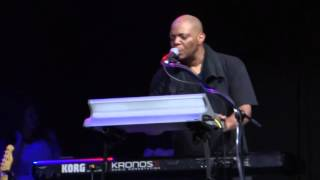shaun martin on lingus bizarre synth solo snarky puppy vivo rio 2015 hd
