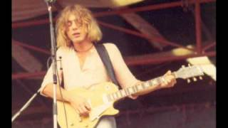 Watch Kevin Ayers Hat Song video