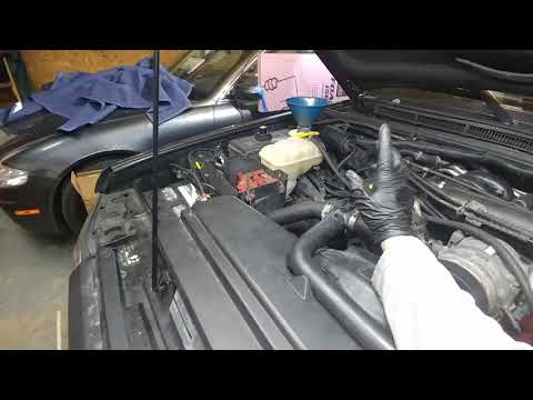 How to replace clogged radiator on my 2004 land rover discovery 2 part 2