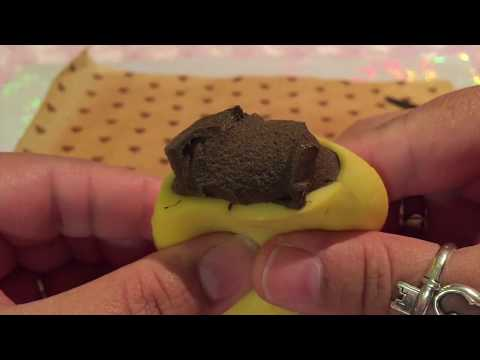 OMG YOU WONT BELIEVE WHATS IN MY MOCHI SQUISHY! CUTTING ASMR