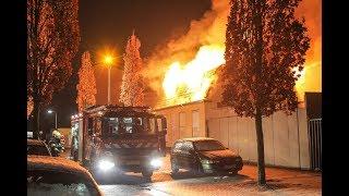 Voormalig oud cafe brand uit in Oss Direk van Erpstraat