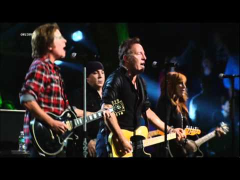 Bruce Springsteen & John Fogerty (CCR) - Fortunate Son (Creedence Clearwater Revival)(live 2009) HD