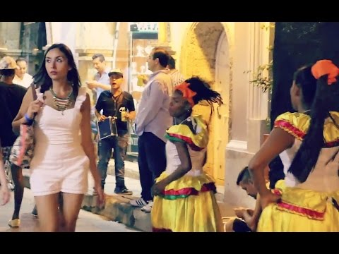 COLOMBIA VLOG: CARTAGENA COMES ALIVE AT NIGHT!!!