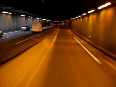 camion semi remorque, pont Nogent entrer du tunnel A86 CDG.MOV