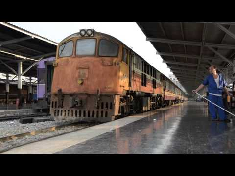 Ancient SRT GE Diesel Locomotives 4001 and 4009 shunting at Bangkok Railway Station