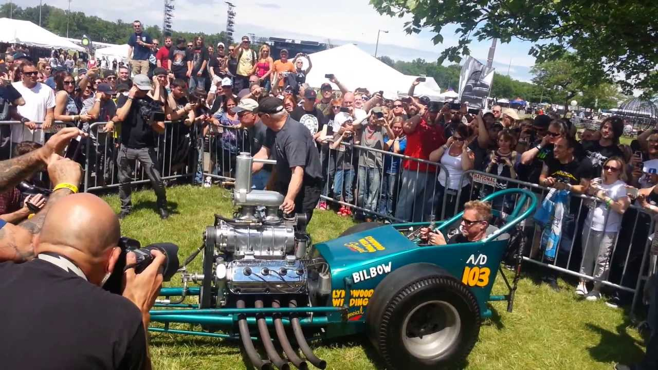 James Hetfield firing up the dragster at 2013 Orion Kustom Car and  Motorcycle Show