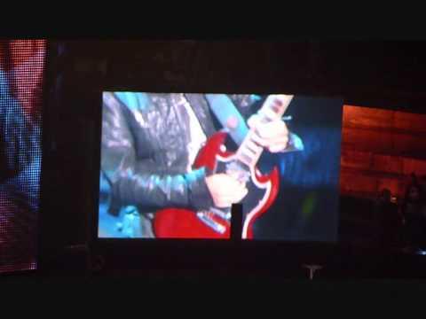 Ligabue live ai Wind Music Awards 2011-UN COLPO ALL'ANIMA,CI SEI SEMPRE STATA,