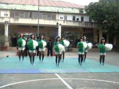 THPT Trung Phú Nhảy cổ động 12A5 14-1-2012