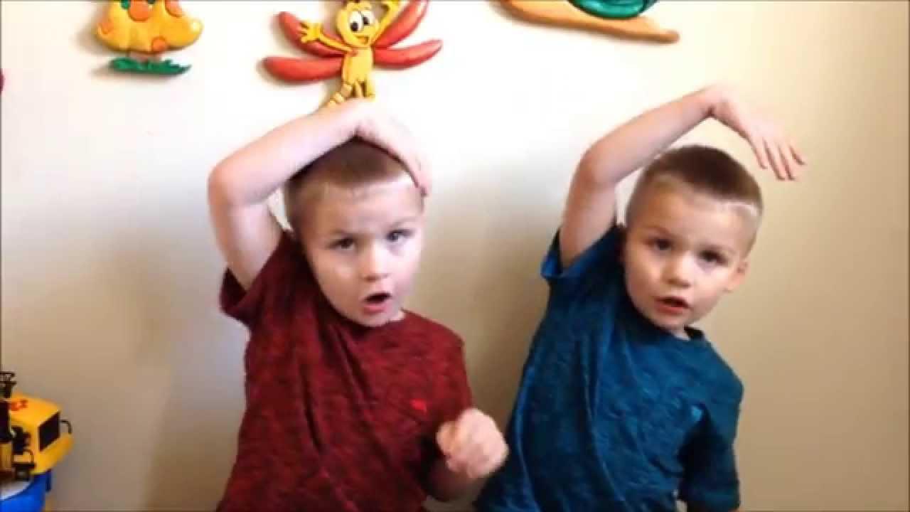 Twins Sing Preschool Songs Days Of The Week