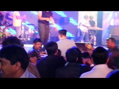 Anushka Manchanda - Gangnam Style Live