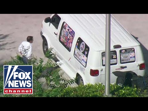 Mail bomb suspect identified as Cesar Sayoc