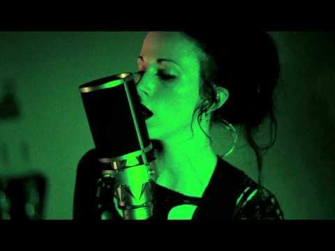 GUSTAVE - POST WAR GLAMOUR GIRLS (Live Version)