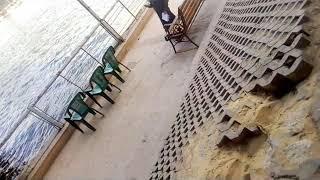 بنت ولد بيبوسو بعض عند كوبري قصر النيل اندر ايدج