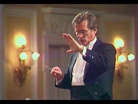 Vladimir Fedoseyev conducts Boris Tchaikovsky Theme and 8 Variations - video 1985