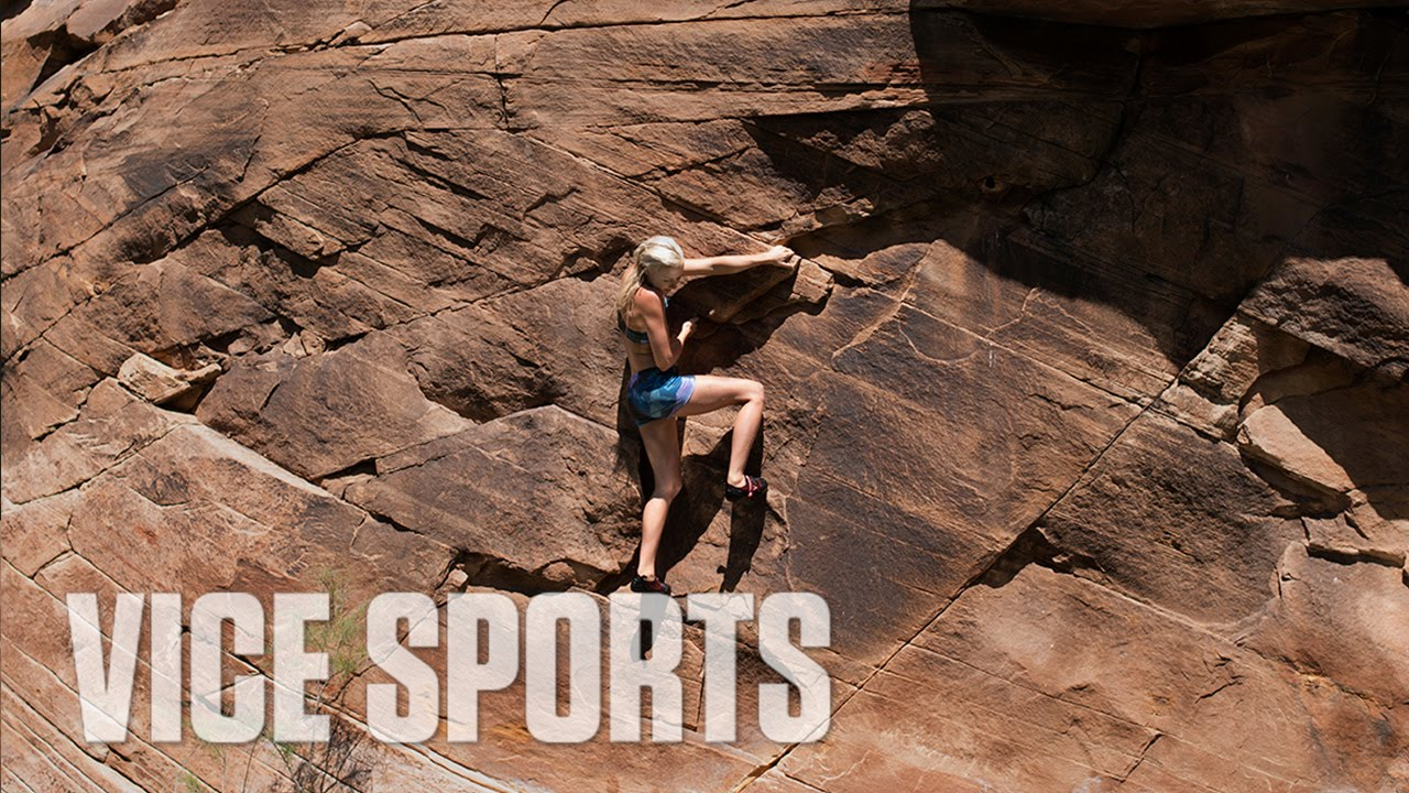 free-climbing-in-arizona-with-sierra-blair-coyle-the-moment
